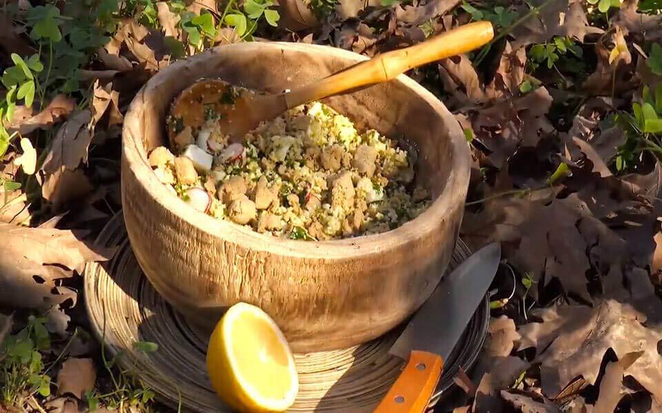 Σαλάτα με κεχρί, κουνουπίδι & φέτα