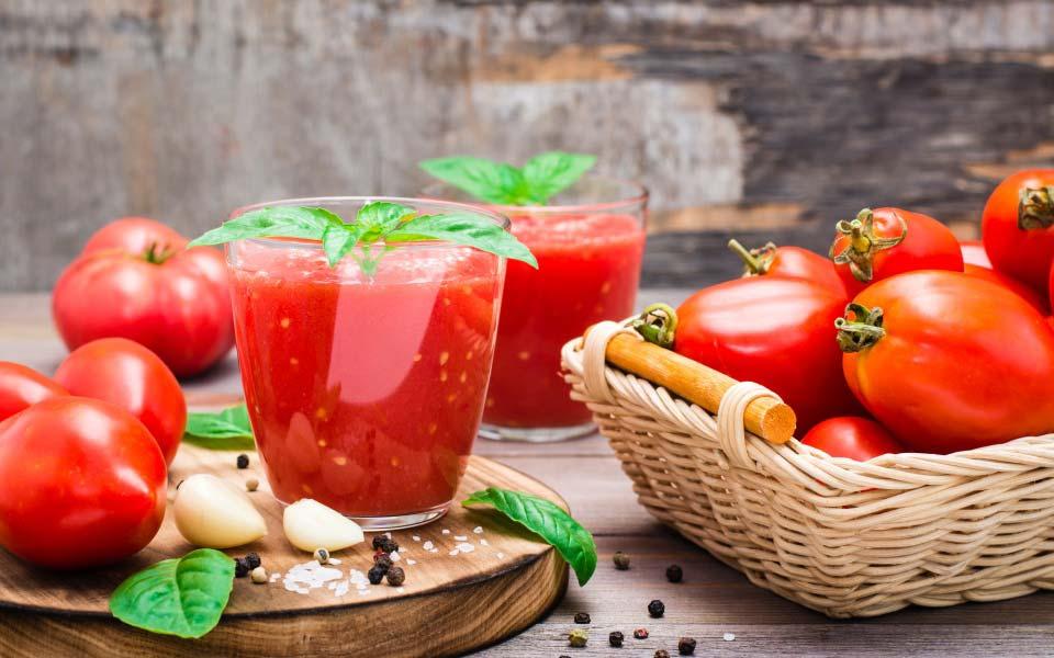 ντομάτα και ντοματοπολτός